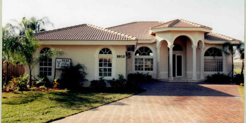 New one story residence for mr and mrs Azarpad 2700 s.f. living . plantation Fl. 2004